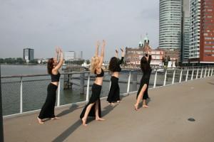 Dancers Pop-opera Noresign, Katendrecht, Rotterdam